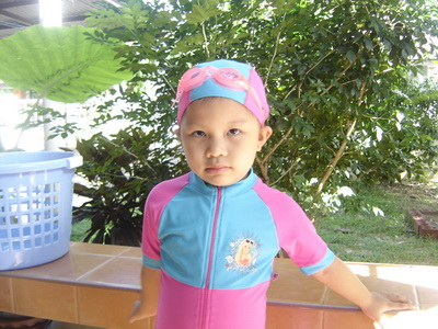 น้องเทียนเรียนว่ายน้ำ