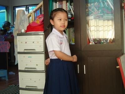 น้องเทียนใส่ชุดนักเรียน